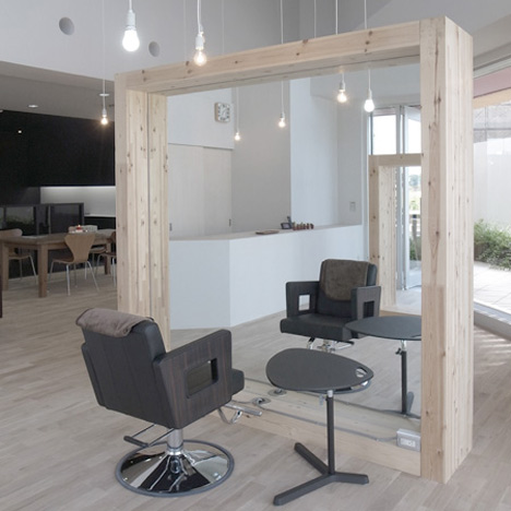 Innovative free standing hair stations the parlour by for Big salon mirrors