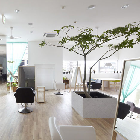 Le Cinq Salon In Japan The Parlour By Salonmonster