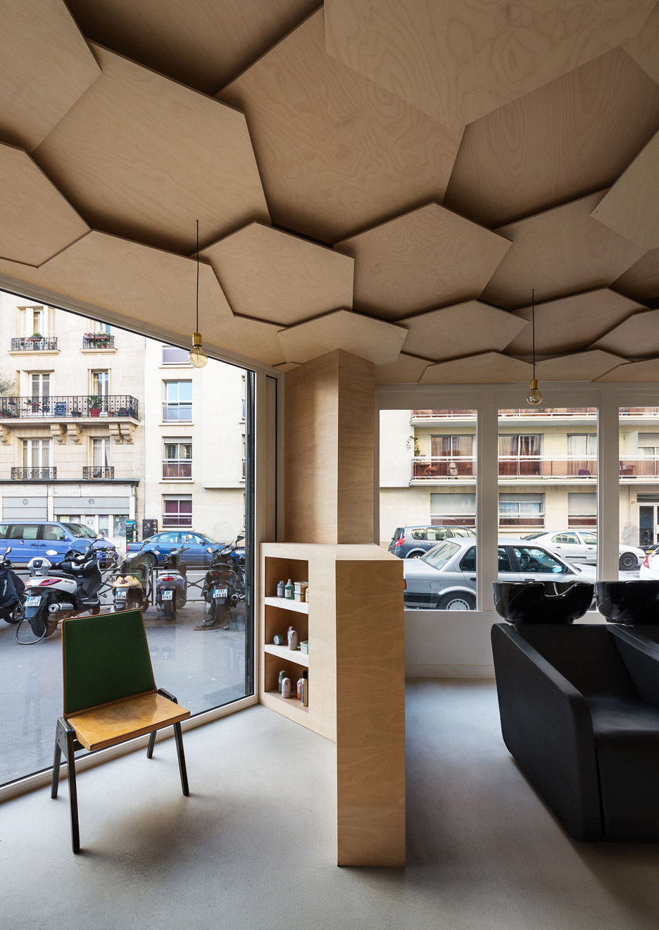 Gorgeous interior of les dada east salon in paris the for Salon design paris